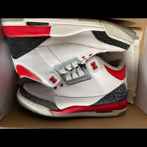 Red and white Jordan 3's women size 7 kids 5.5.